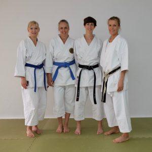 Vier KCB-Frauen beim Intensivkurs Ki-Karate